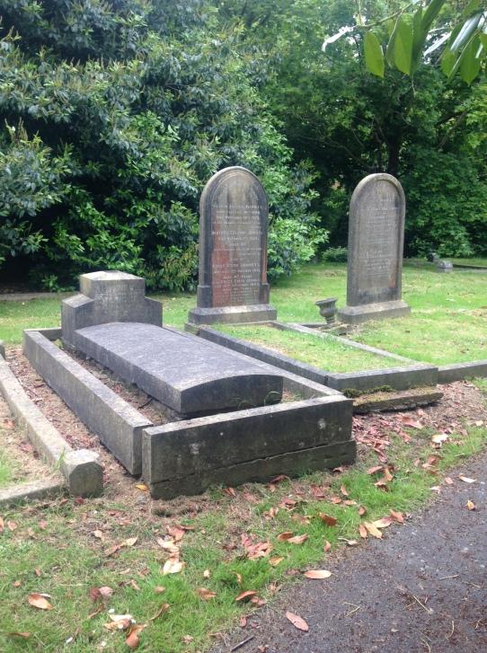 3 Jemmett graves