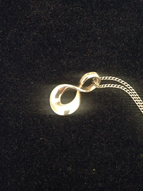 inifinity necklace